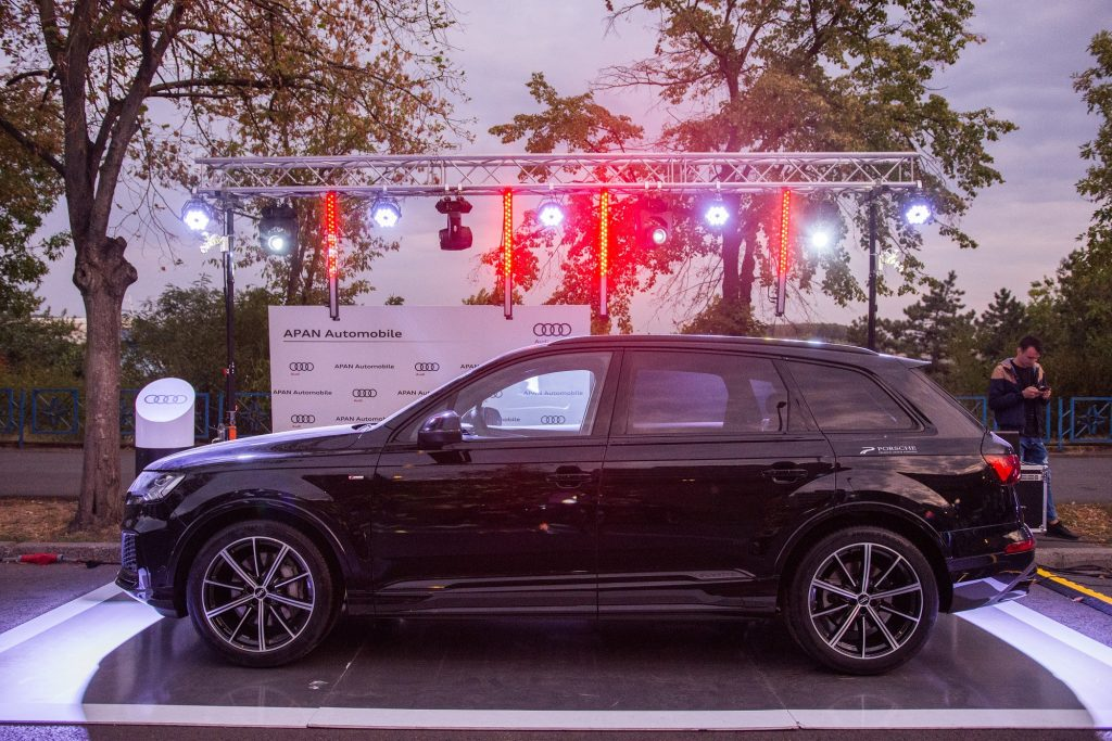 Expunere premium cu marca Audi 1