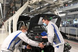 Vești bune - Volkswagen redeschide fabrica de la Zwickau 6