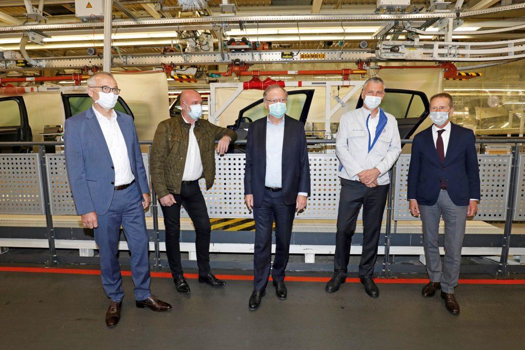 Veștile bune continuă: A început producția la fabrica Volkswagen din Wolfsburg 1