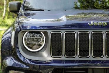 Jeep Renegade. Bivalență: Dur la exterior, confortabil la interior 9