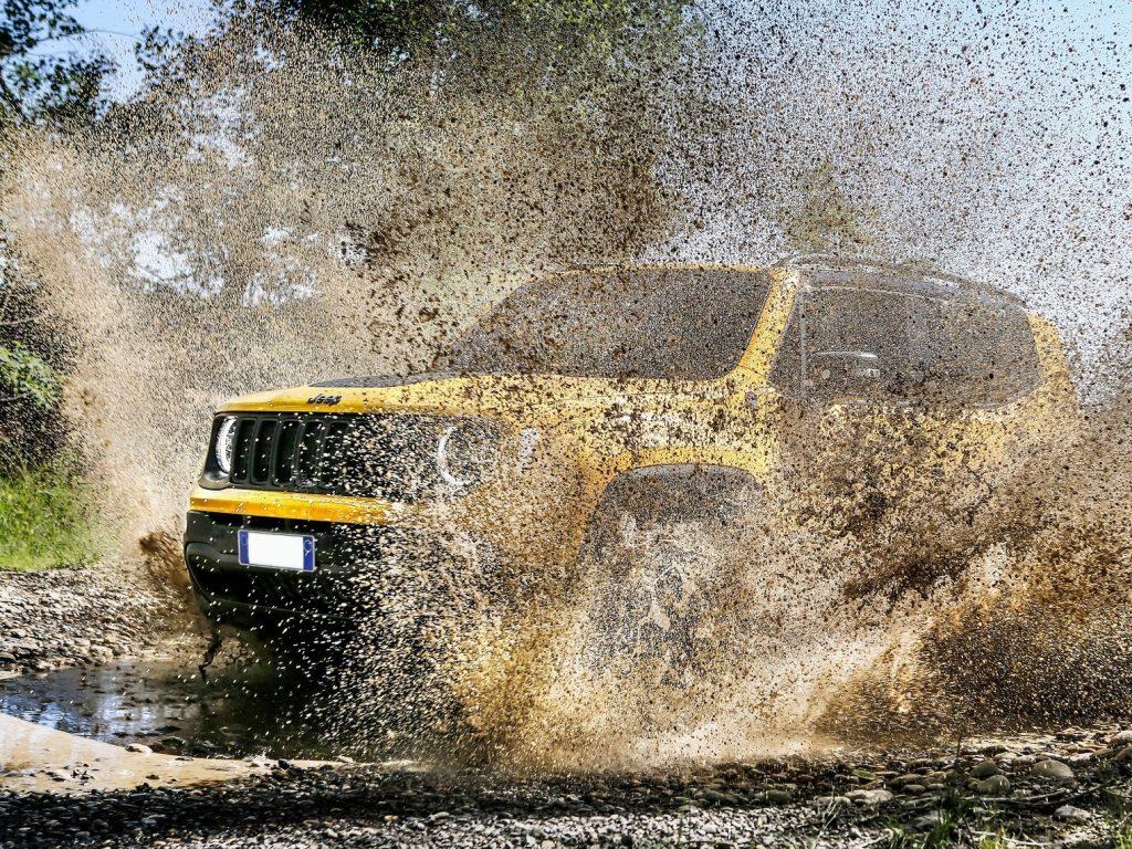 Jeep Renegade. Bivalență: Dur la exterior, confortabil la interior 5