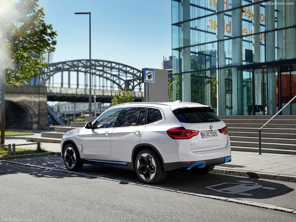 BMW iX3. Primul Sports Activity Vehicle cu sistemul de propulsie electric. 3