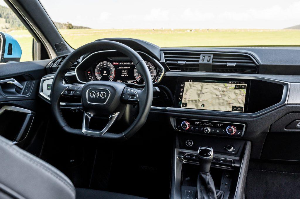 SUV-coupé-ul extrovertit. Audi Q3 Sportback. 3