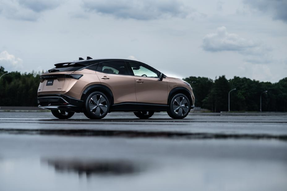 Nissan prezintă Ariya, un crossover 100% electric 2