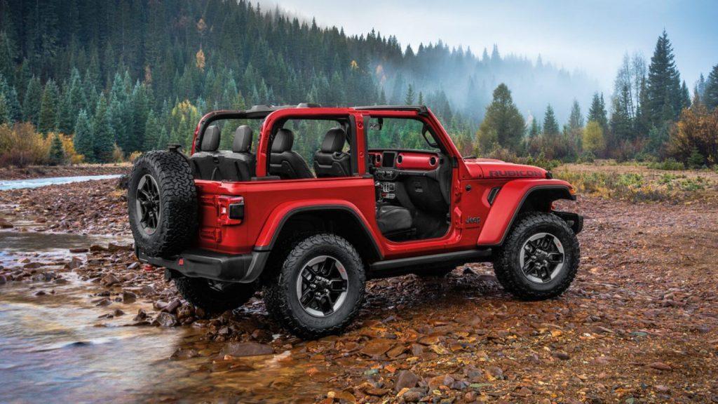 Jeep Wrangler 4xe plug-in hybrid își încarcă bateriile pentru marea lansare de la finalul anului 1