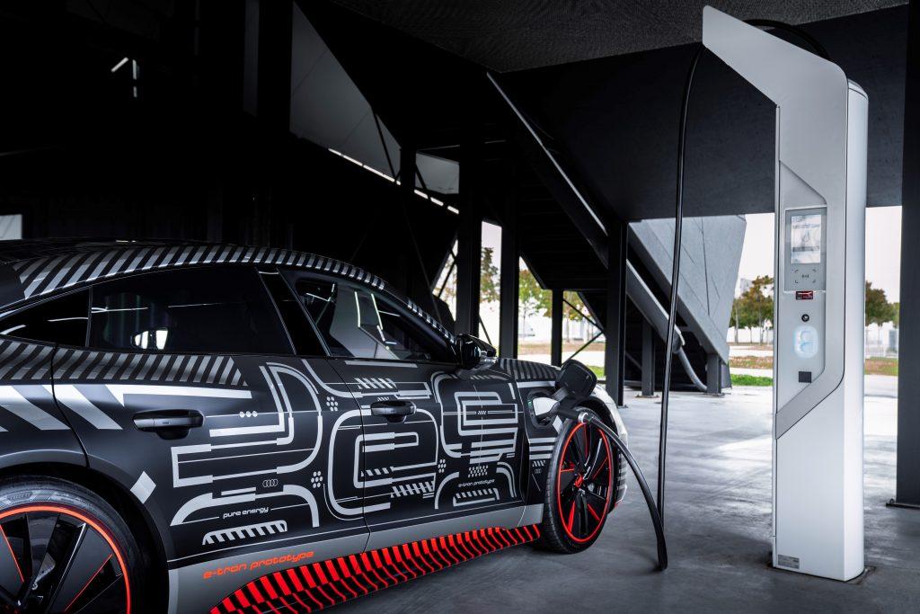 Pasiunea pentru calitate și progresivitate: noul Audi e-tron GT 2