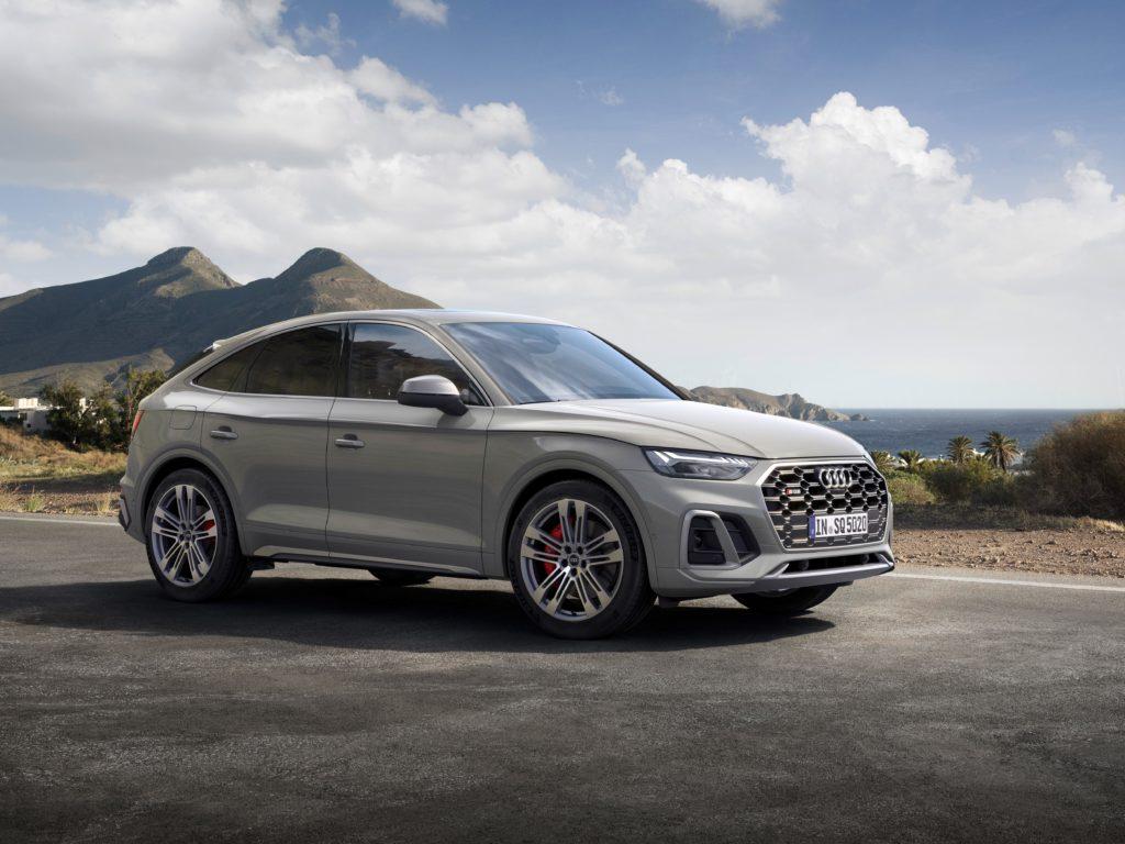 Noul SUV coupe impresionează din exterior cu designul său progresist, marcat de forță expresivă 1