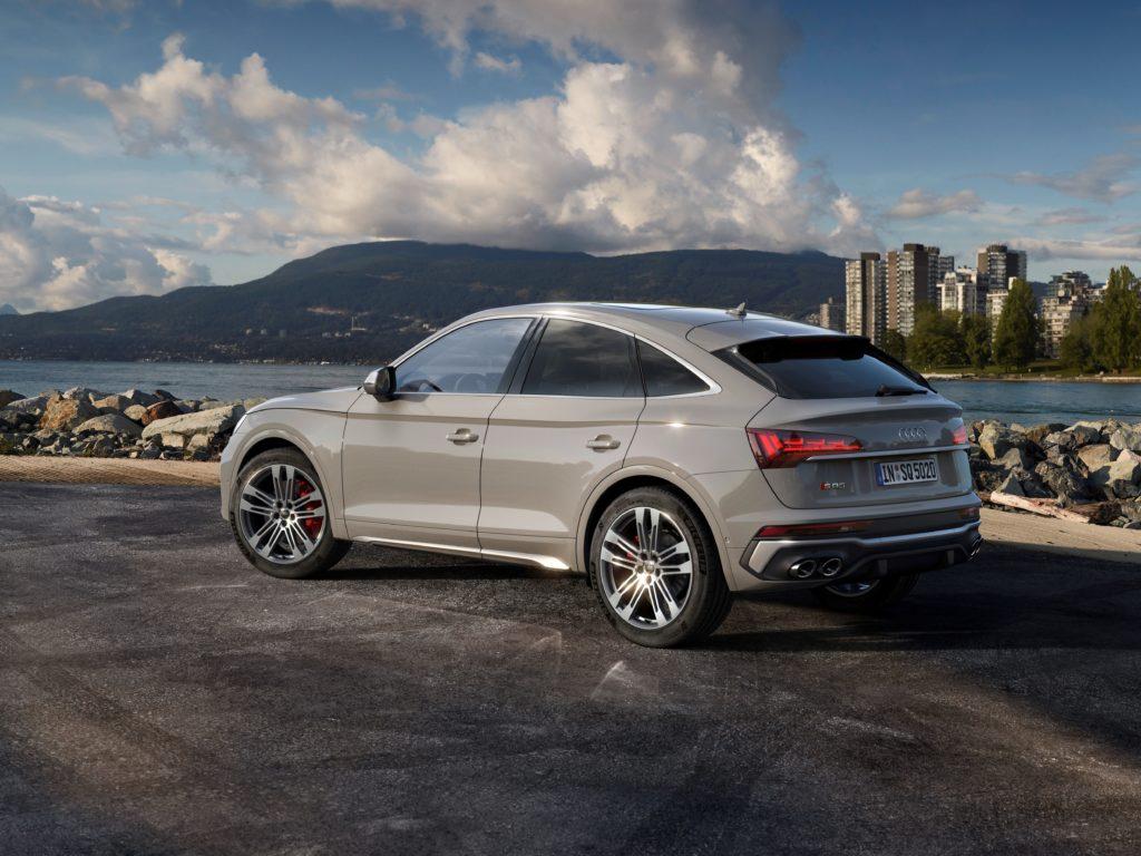 Noul SUV coupe impresionează din exterior cu designul său progresist, marcat de forță expresivă 2