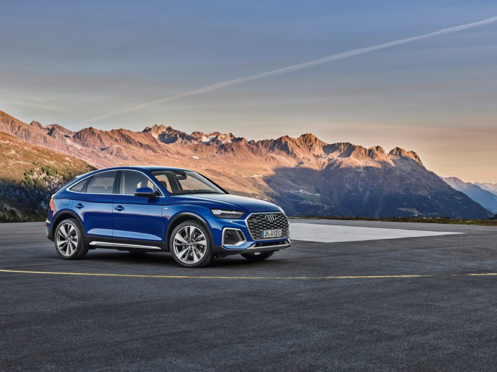 Noul SUV coupe impresionează din exterior cu designul său progresist, marcat de forță expresivă 3