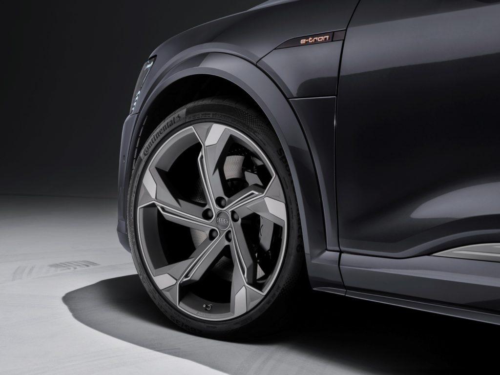 Audi optimizează gama e-tron: încărcare în curent alternativ la 22 kW plus confort și mai ridicat la condus 3
