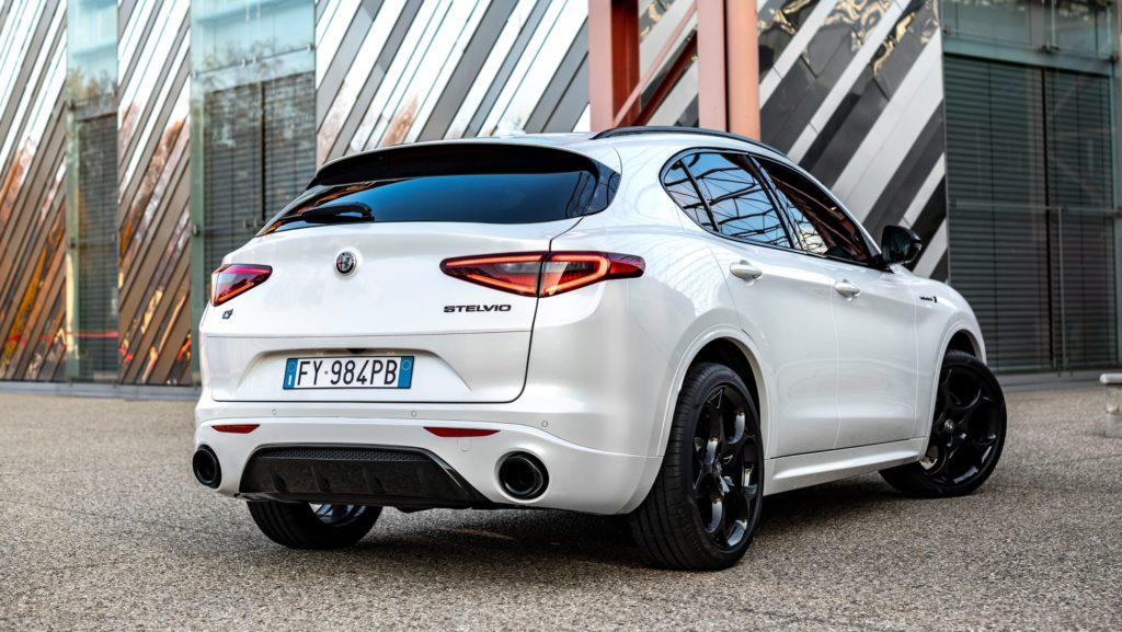 Alfa Romeo lansează Stelvio Veloce Ti 3